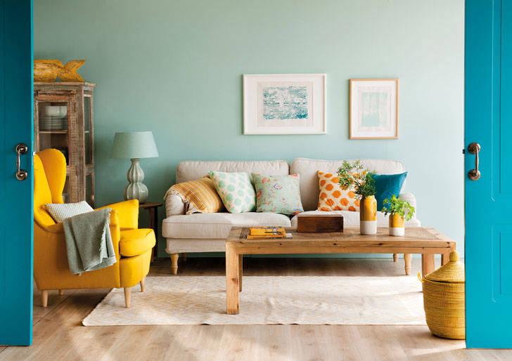 Солнечный желтый в интерьере: 10 примеров летних комнат