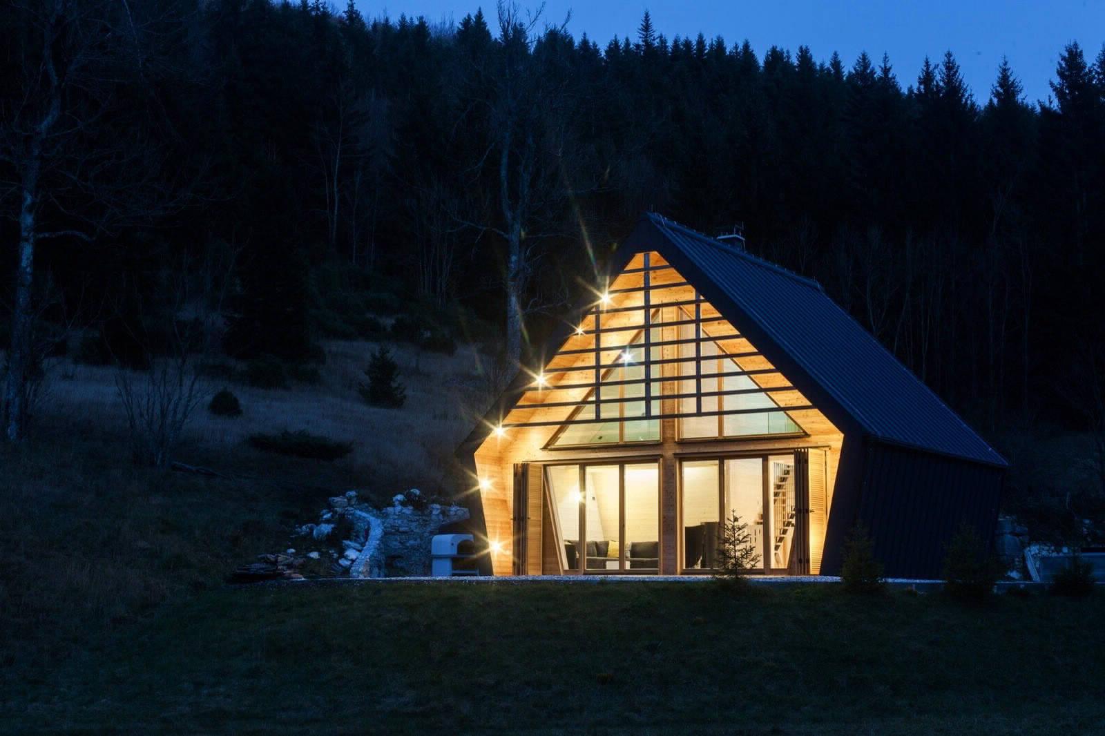 Лаконичный деревянный дом в Словении