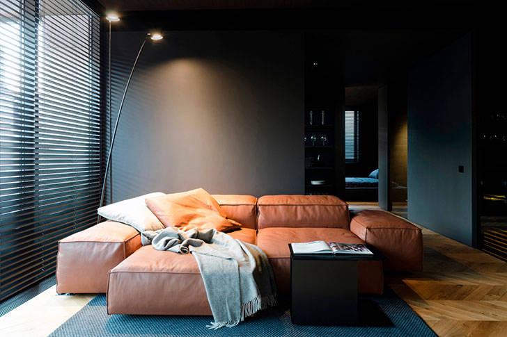 Территория мужчины: квартира в черном в Молдове