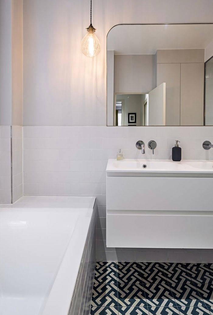 Классический интерьер с контрастами: квартира в Париже