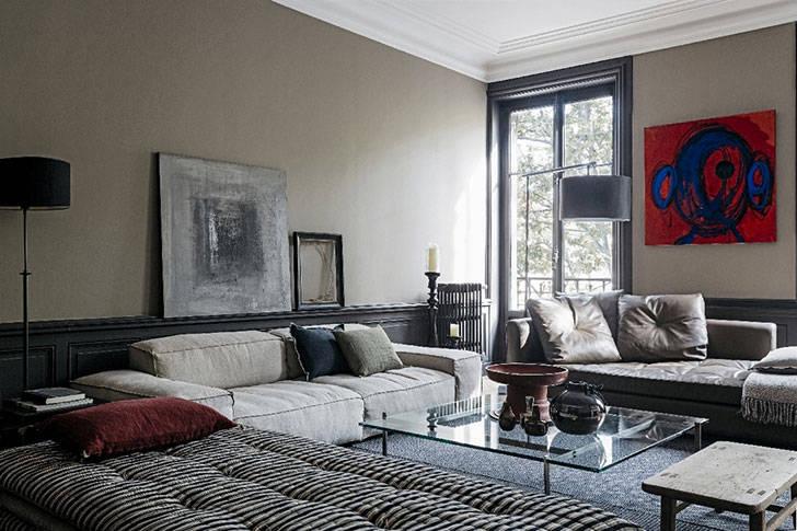 Стильная квартира с картинами в качестве декора во Франции
