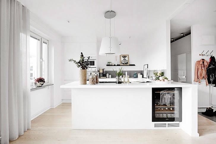 Белая квартира в спальном районе Гетеборга (52 кв. м)