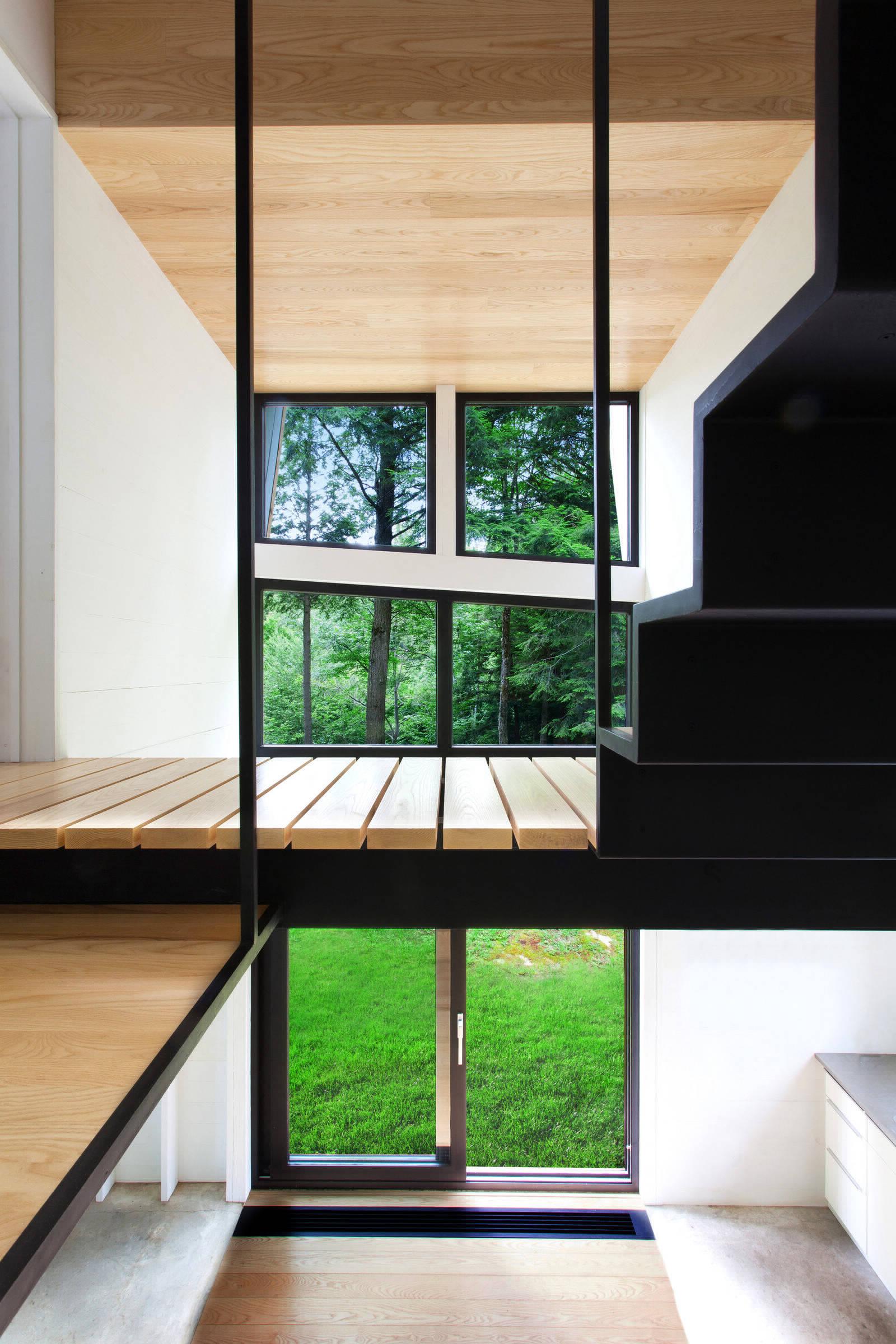 Укромный дом в канадских лесах