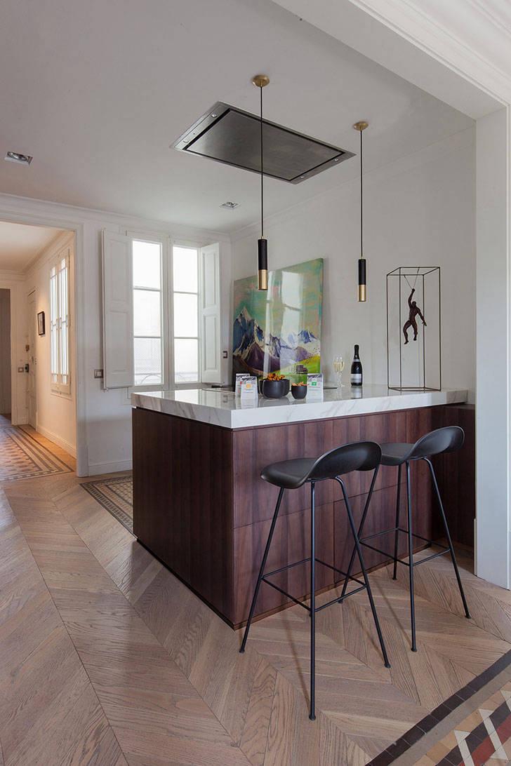Легкий современный дизайн квартиры в Барселоне