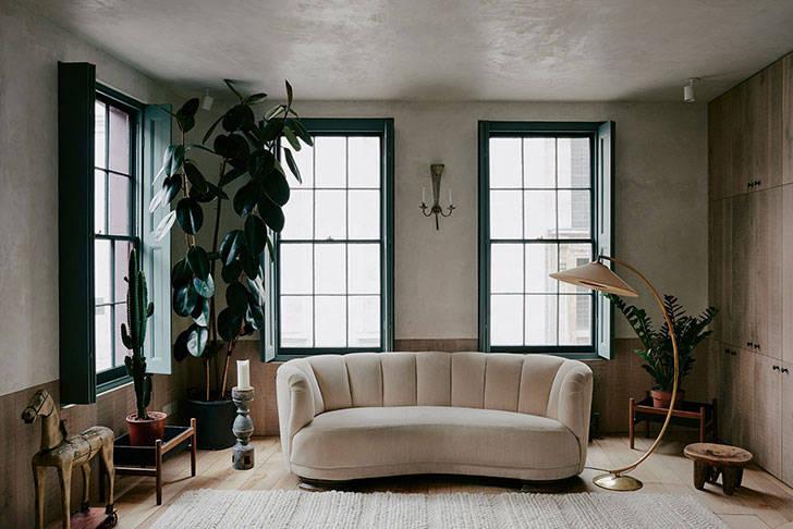 Зелень, мрамор и старая печь: любопытный дом в Лондоне