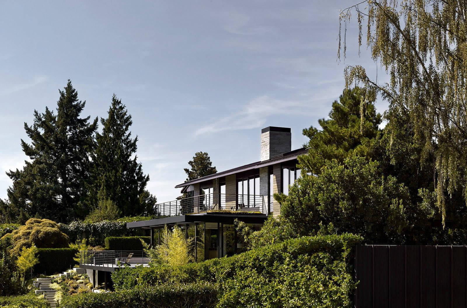 Дом с садом во внутреннем дворике в Сиэтле