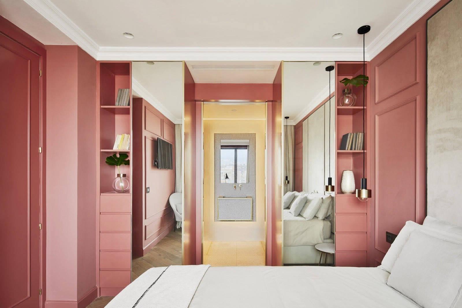 Квартира с неповторимой атмосферой элегантной роскоши в Барселоне
