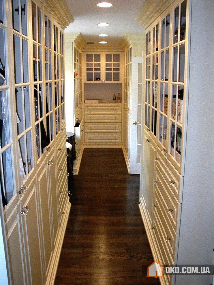 Современный дизайн гардеробной комнаты.