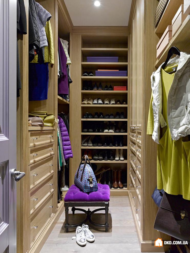 Когда лучше иметь шкаф, а когда - гардеробную?.